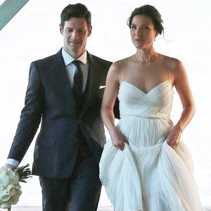 Hangover's Justin Bartha Weds Fitness Trainer Lia Smith in Hawaii